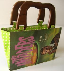 Bolso con tapa de libro