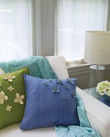agrega-flores-a-tus-almohadones